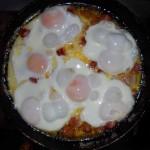 1 b) 6 ouă prăjite