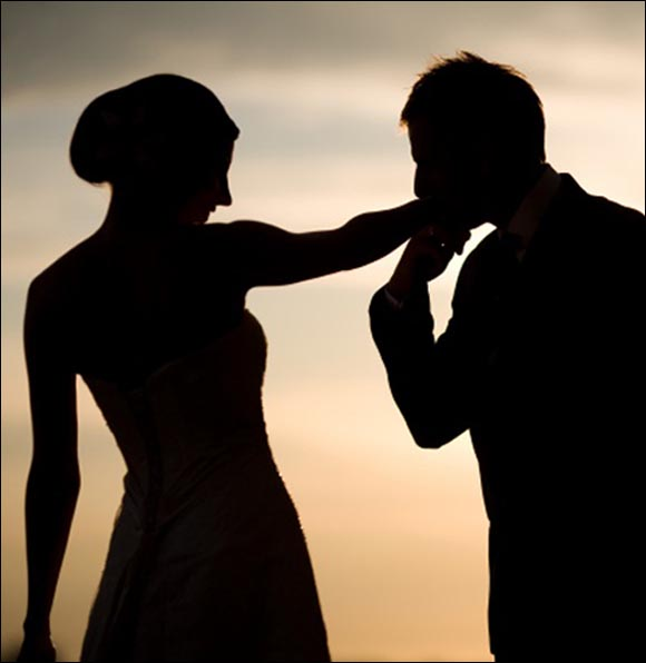 Sărut femeie, mâna ta