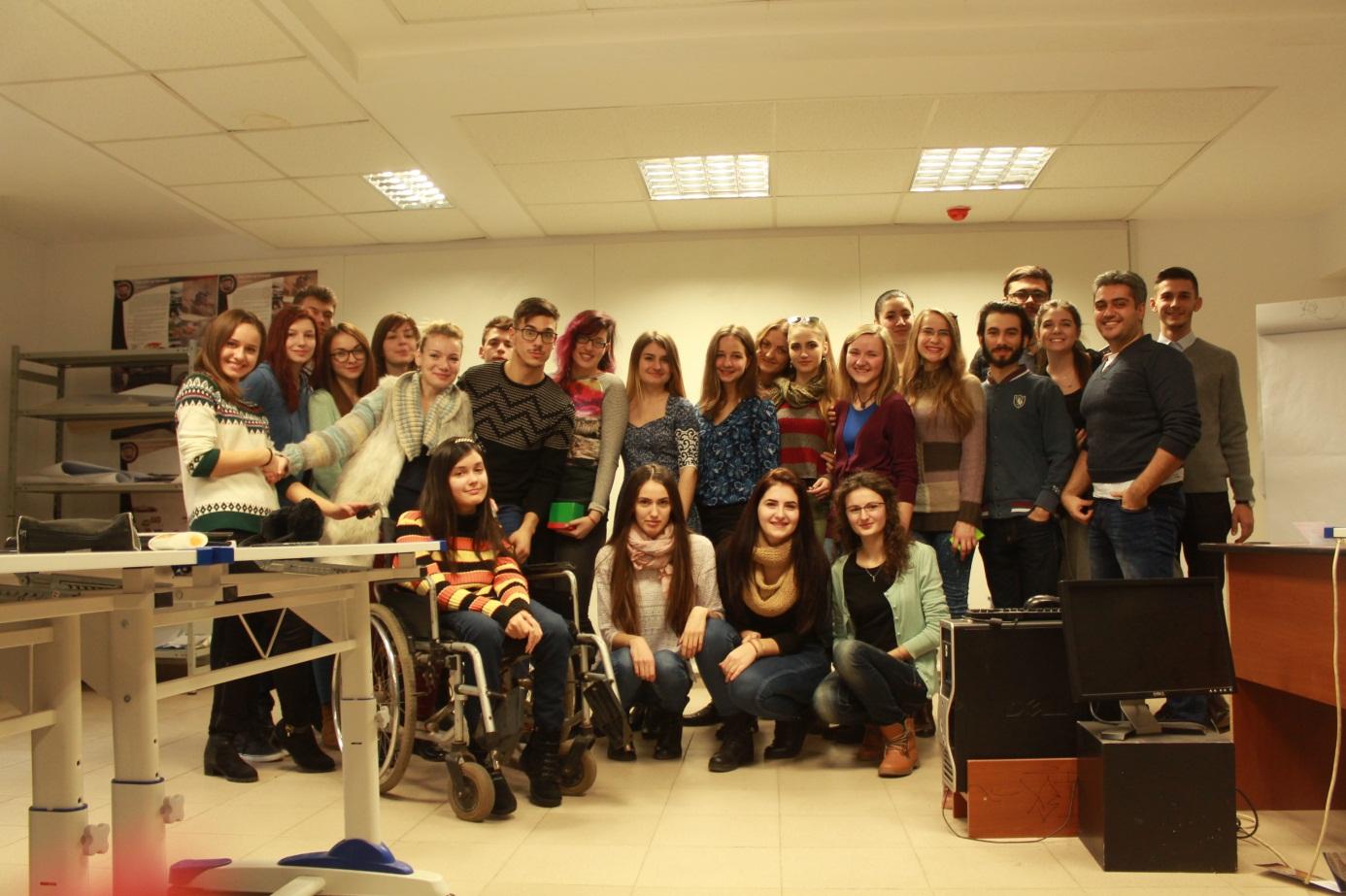 16.12.2015  Studiu literă și text.  Finisarea primului semestru, colegi și Dn. Profesor Buraga Silviu